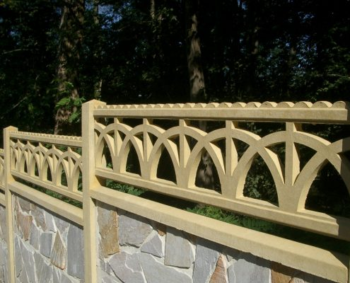 cloture-mixte-plaque-et-frise-demi-cercle-495x400 CLASSIC RANGE - Mixed fences